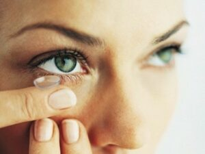 Upotreba kontaktnih sočiva